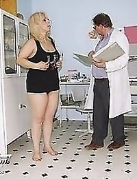 Mature Milena pussy gyno exam fetish at bizzare kinky gyno clinic