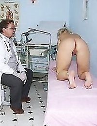 Mqature Romana gyno pussy speculum examination visit at clinic